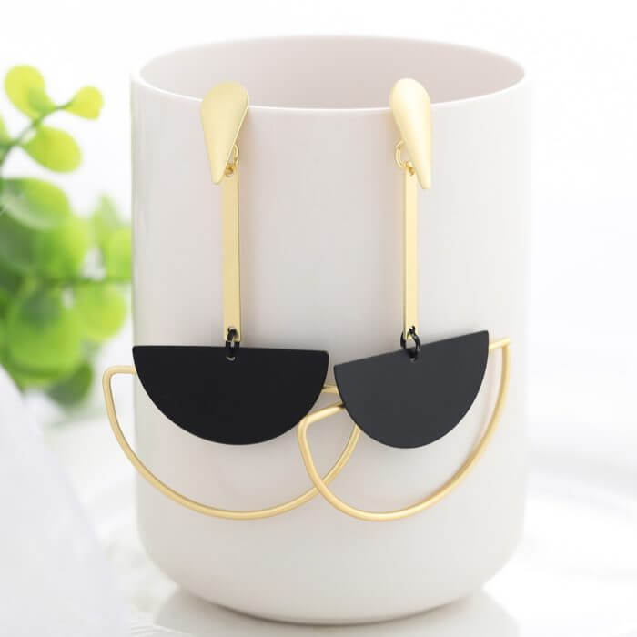 WYBU Summer Style Golden Drop Earrings For Women Geomatric Black Long Hanging Earring Triangle Bts Jewelry Earing bijouterie 5
